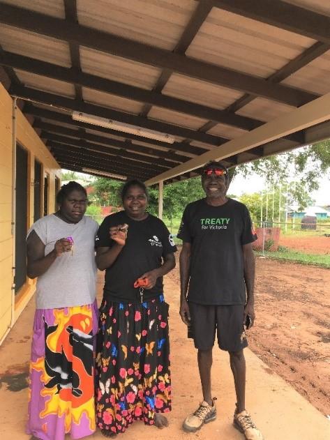 Jazlyn, Warrarii, and Witiyana Marika receive the keys to their home